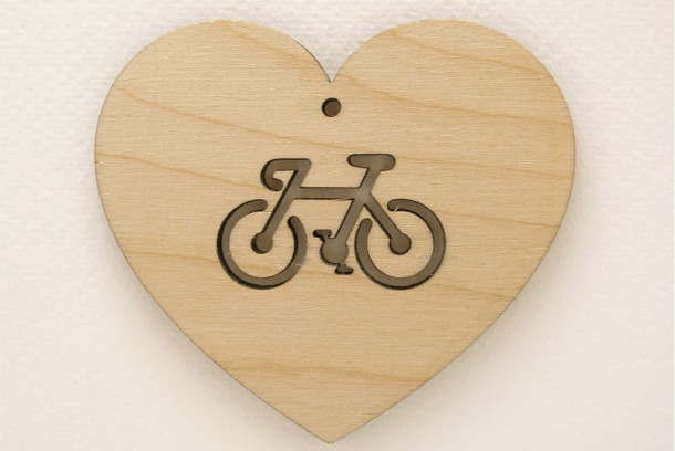 bike-love-wooden-heart-greeting-card