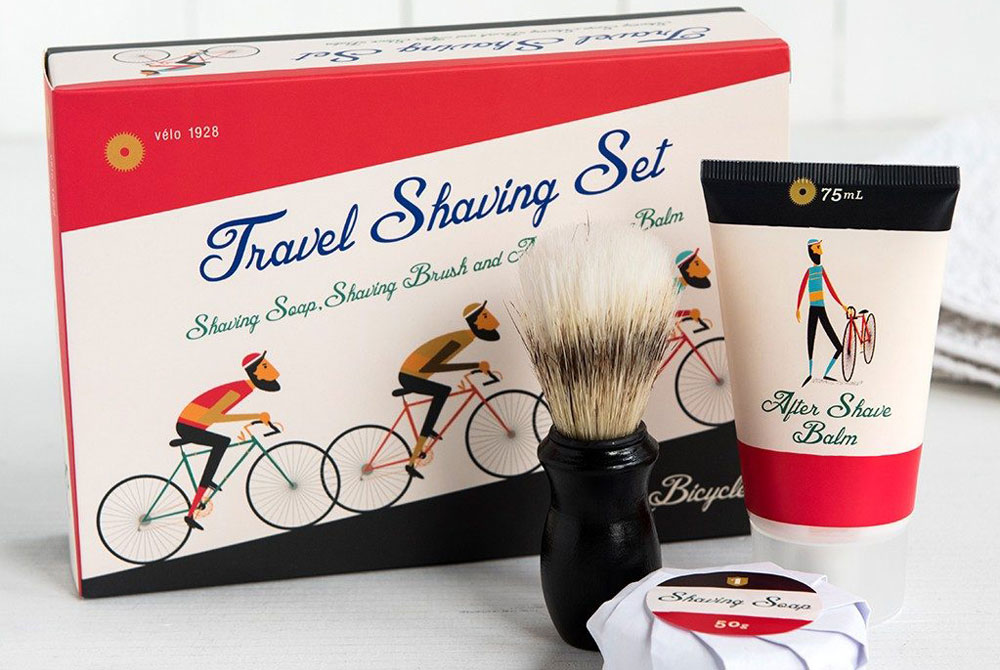 4a03a4c12f9 £4.95  Le Bicycle Shaving Kit