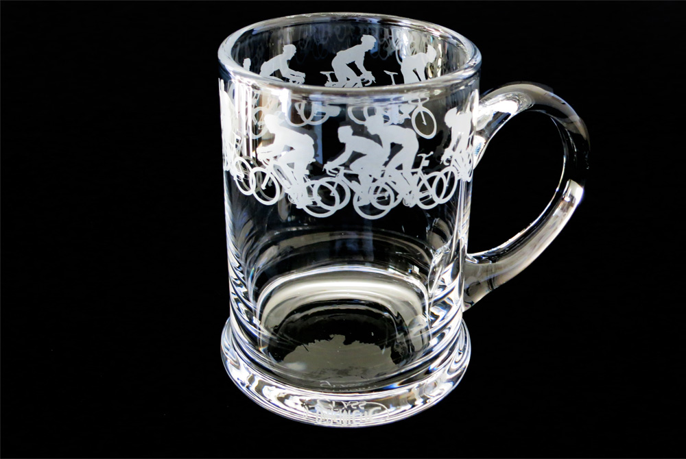 Racing Cyclist Glass Pint Tankard