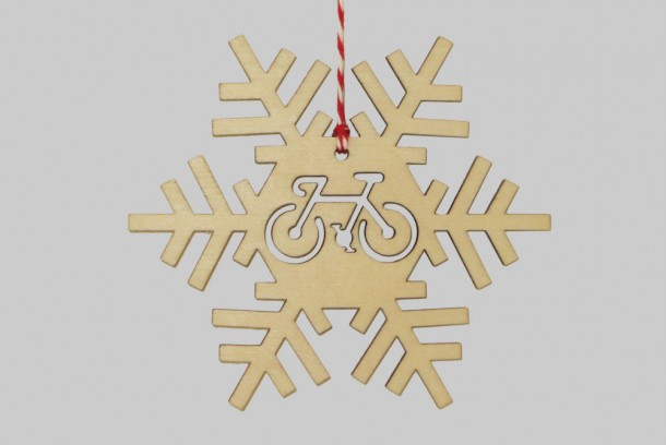 wooden-snowflake-christmas-bicycle-decorations