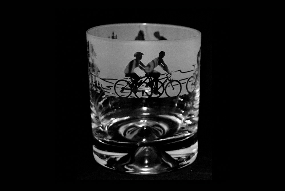 Cycling Scene Glass Tumbler